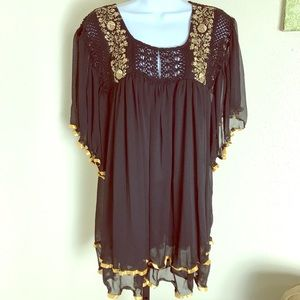 Va Va black gold embellished crochet peasant top M